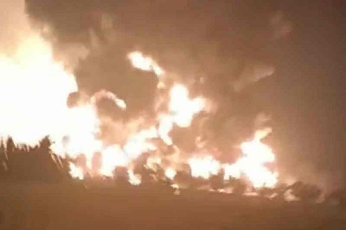 Kebakaran kilang minyak Pertamina di Balongan, Indramayu.