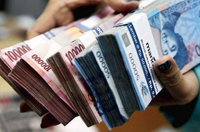 Uang ilustrasi pinjaman tanpa agunan Rp 100 juta per orang dari pemerintah