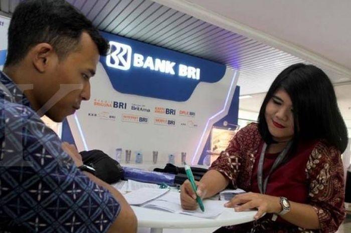 Suasana Bank BRI sebelum pandemi. BRI punya pinjaman tanpa agunan BRIguna