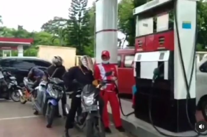 Viral video pengendara bongkar kecurangan oknum petugas SPBU di Jatake, Kota Tangerang.