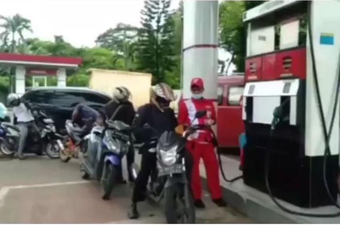 Diduga petugas SPBU Curang di Jatake Tangerang