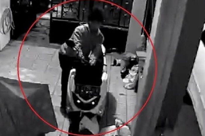 Ilustrasi maling motor Yamaha NMAX. Akhirnya maling motor spesialis Yamaha NMAX di Denpasar, Bali berhasil ditangkap polisi.