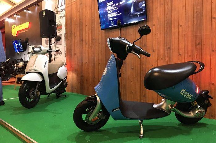Motor listrik baru dari Benelli (biru) resmi meluncur, fitur canggih harga segini.