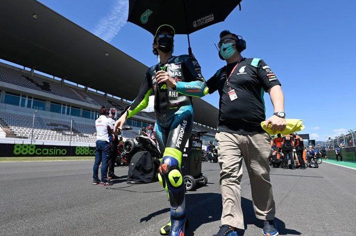 Nasib Valentino Rossi belum pasti di MotoGP 2022 nanti, begini kata bos tim Petronas Yamaha SRT, Razlan Razali.