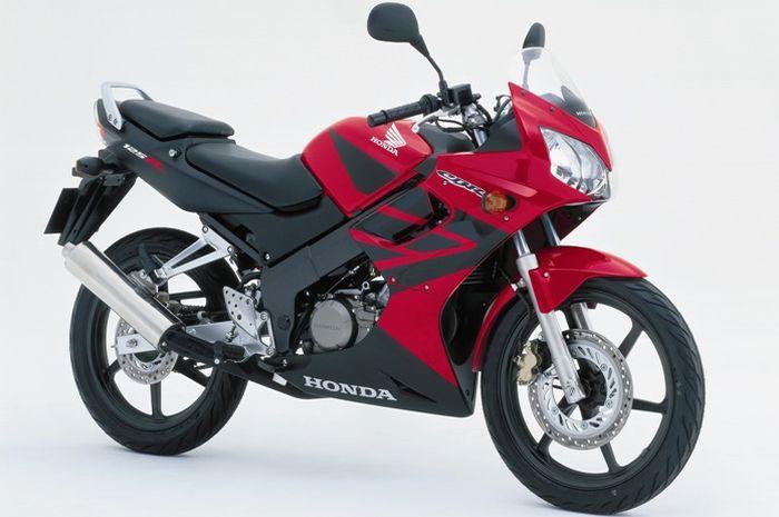 Honda CBR125R merupakan CBR yang paling kecil