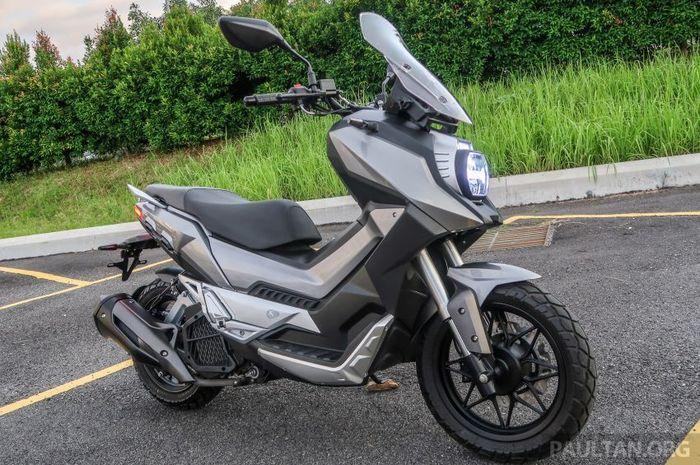 Honda ADV 150 ada lawan baru, skutik adventure ini pakai monosok.