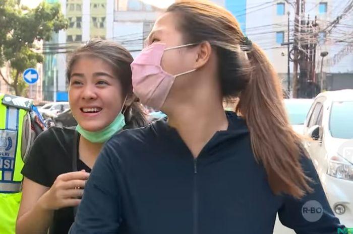 Pemotor cantik viral setelah ditilang polisi