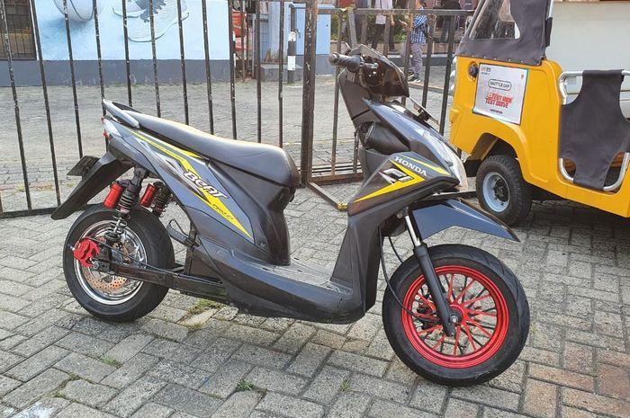 Honda BeAT FI 2014 custom jadi motor listrik buatan Petrikbike