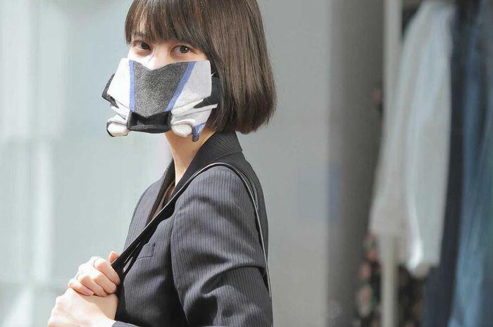 Bisa coba nih, bikin masker ala fairing Yamaha YZF-R1M!