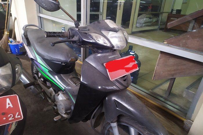 Saudara Honda Supra X 125, Honda Karisma dilelang, harga murah.