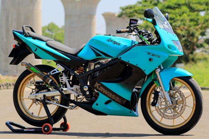 Kawasaki Ninja 150 RR modifikasi GP125 style