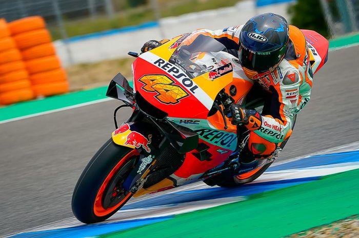 Pembalap Repsol Honda, Pol Espargaro bisa tersenyum usai tes MotoGP Jerez 2021.