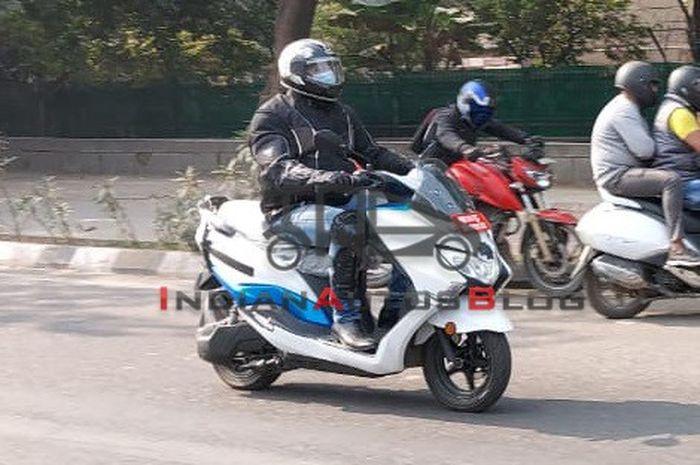 Motor listrik Suzuki siap meluncur, bodi gambot mirip Yamaha NMAX.