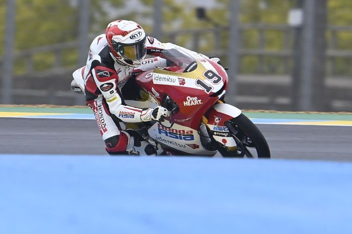 Pembalap Indonesia, Andi Farid Izdihar alias Andi Gilang bikin kejutan di FP3 Moto3 Prancis 2021.