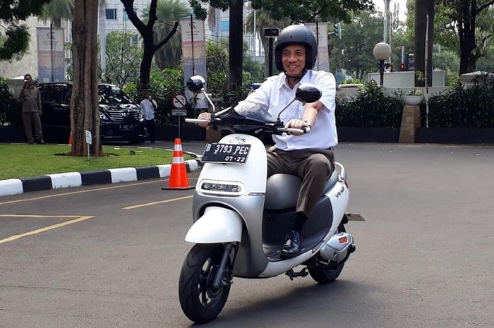 Motor listrik New Viar Q1 sudah dibekali fitur layaknya motor sport.