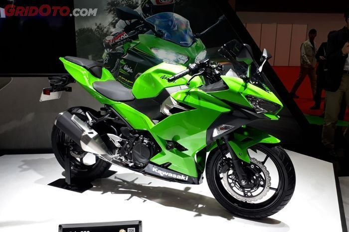 Kawasaki New Ninja 250 saat diperkenalkan di Tokyo Motor Show