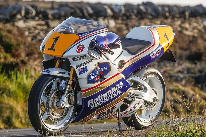 Replika GP500 milik James Mansfield
