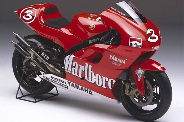 Yamaha YZR500  tahun 2001