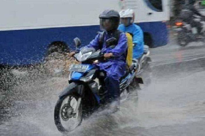 Tips jas hujan