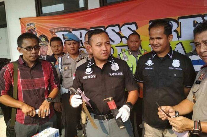 Tim Anaconda Polres Karawang kembali menembak mati begal yang beraksi di wilayah Karawang.