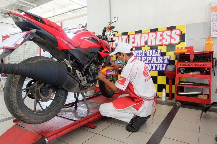 Ganti oli semakin mudah dan cepat dengan fasilitas Pit Express