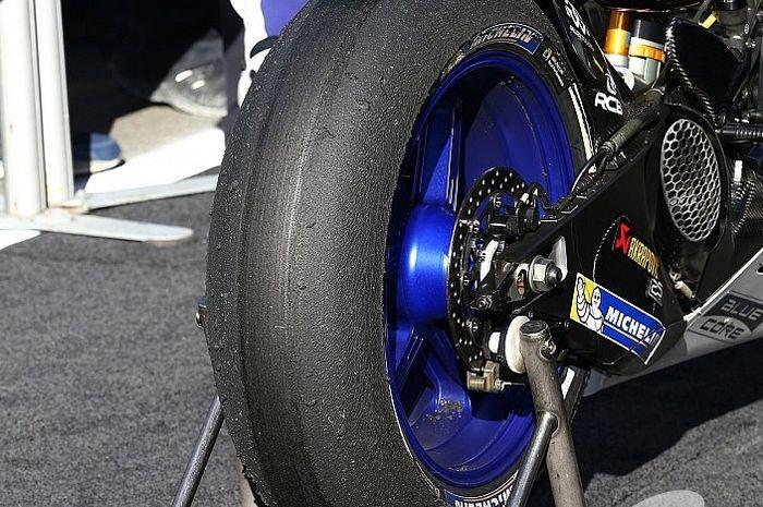 Ban belakang Michelin.