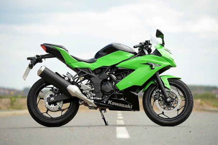 Gak Perlu Jingkat Lagi Begini Bikin Pendek Jok Kawasaki Ninja 250sl
