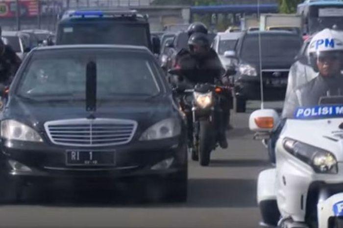 Ilustrasi rombongan Presiden dengan pengawalan Paspamres di jalanan ibukota (SekNeg). Bukan Klub Moge Atau Mobil Sport, Tapi Ini yang Berhak Dapat Pengawalan Polisi