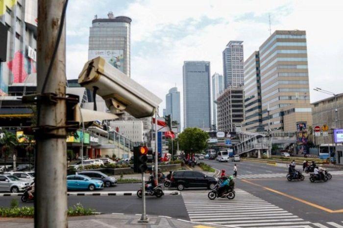 CCTV tilang elektronik sudah terpasang di beberapa ruas jalan di Jakarta.