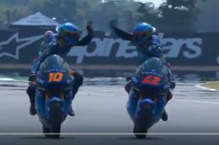 Luca Marini (kiri) dan Fransesco Bagnaia (kanan) rajai Moto2 Thailand 2018.